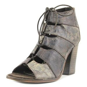 DIBA True it's alright sandal bootie laced 8.5 New